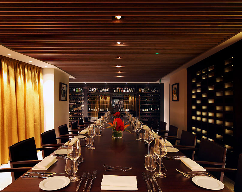 Superb Quilon Private Dining Table ...